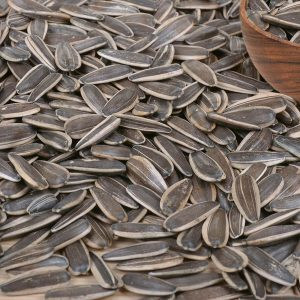 raw-black-sunflower-seeds-00